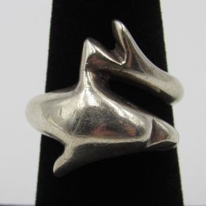 Vintage Size 6.5 Sterling Heavy Dolphin Ring